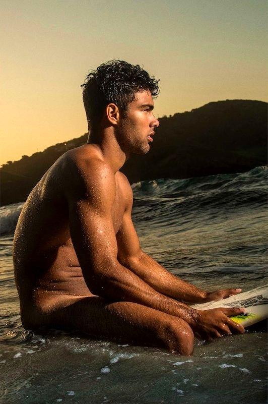 SurferPolyProfileseatedonboard