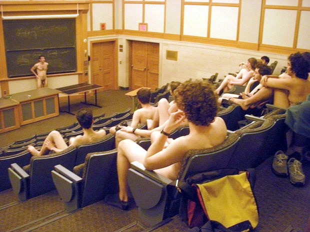 ClassroomNkdW