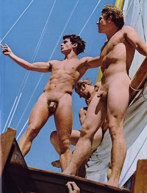 SailingNudesWtrioBoat